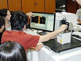 中・高校生向け分析機器体験実習「JAIMAサマーサイエンススクール」の開催